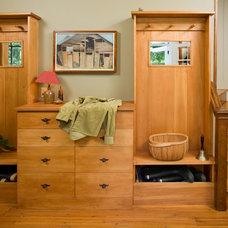 Traditional Entry by Jarrett Vaughan Builders, Inc.