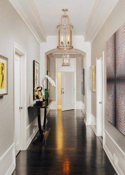 Traditional Entry by SagreraBrazil Design, Inc.