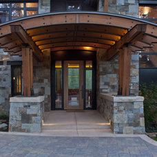 Rustic Entry by Kelly & Stone Architects