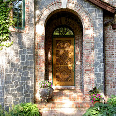 Traditional Entry by Bob Michels Construction, Inc.