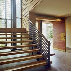 Contemporary Entry by Scott Allen Architecture