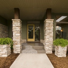 modern entry by Jim Kuiken Design