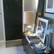 Modern Entry by FOCAL POINT STYLING