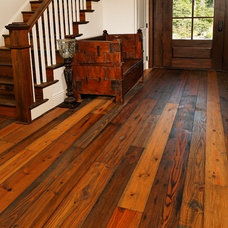 Traditional Entry by Authentic Pine Floors, Inc.