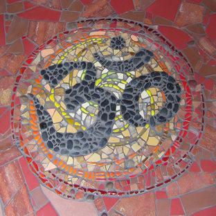 Ispirazione per una piccola porta d'ingresso design con pavimento con piastrelle in ceramica