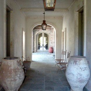 Open Air Entryway Hallway with Macedonia Detailing
