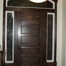 Traditional Entry by Chatwin Homes