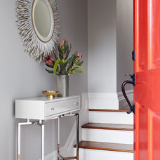 Transitional Entry by Niche Interiors