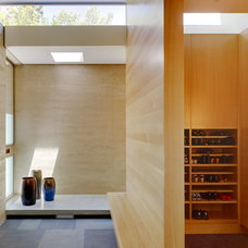 Modern Entry by CCS ARCHITECTURE