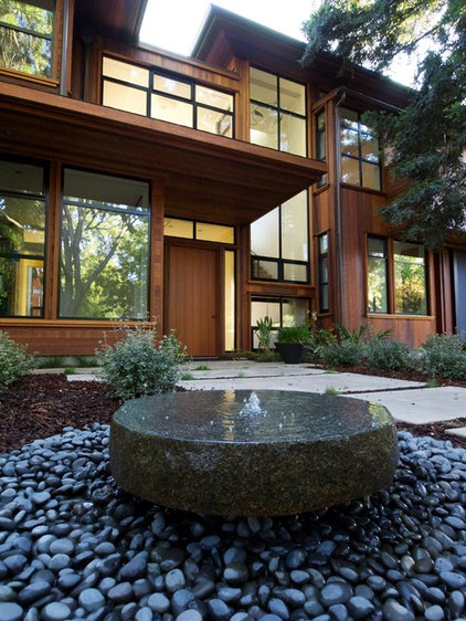 Contemporary Entry by Drew Maran Construction