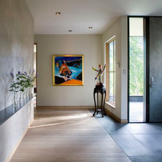 Contemporary Entry by Studio Frank