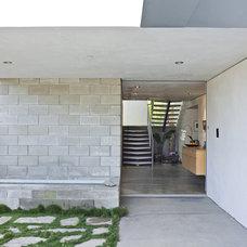 Modern Entry by Jesse Bornstein Architecture