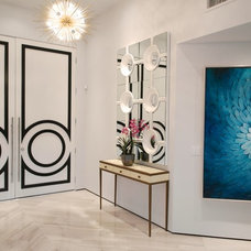 Contemporary Entry by House & Homes Palm Springs Home Staging