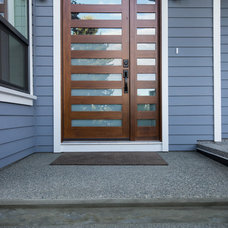 Contemporary Entry by Step One Design