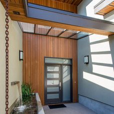 Modern Entry by Synthesis Design Inc.