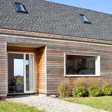 Farmhouse Entry by ZeroEnergy Design