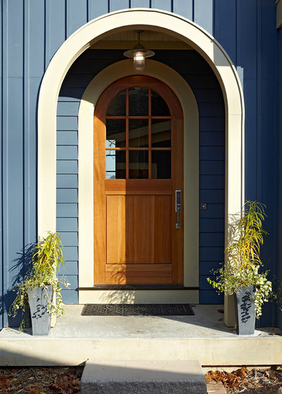 Traditional Entry by Jennifer Butler Design