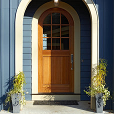 Beach Style Entry by New Urban Home Builders