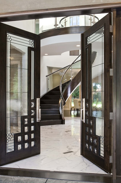 Traditional Entry by Mark English Architects, AIA