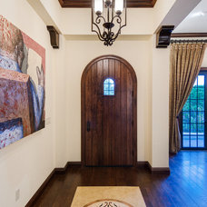 Entry by Las Casitas Architecture and Interiors, LLC
