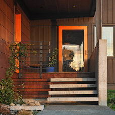 Contemporary Entry by lewis + smith