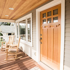 Craftsman Entry by ecco design inc. architects