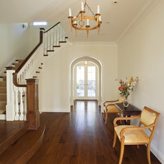 traditional entry by Matarozzi Pelsinger Builders