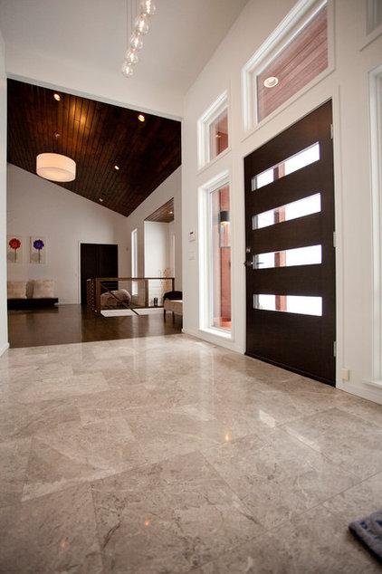 Contemporary Entry by Ryan Duebber Architect, LLC