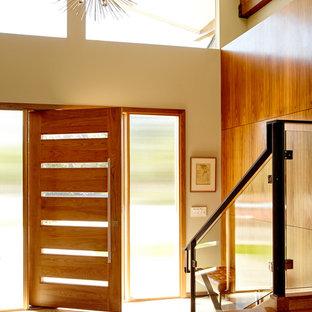 Ispirazione per un ingresso o corridoio minimal