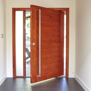デンバーのコンテンポラリースタイルのおしゃれな玄関の写真