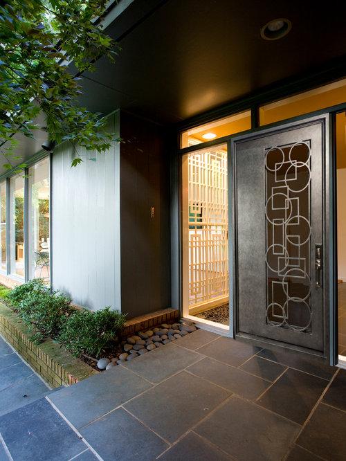 eingang mit schieferboden und metallt r ideen design. Black Bedroom Furniture Sets. Home Design Ideas
