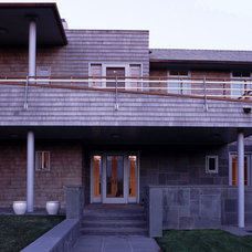 Contemporary Entry by PMWArchitects