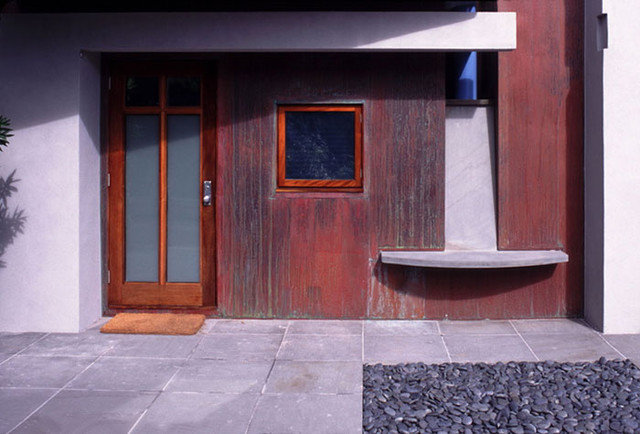 Modern Entry by PMWArchitects