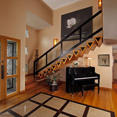 contemporary entry by David Brandsen Construction Inc.