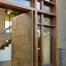 Modern Entry by Tobin Dougherty Architects