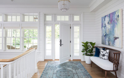 Houzz Editor Offers Styling Tips for a Beautiful Entryway