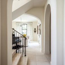 Transitional Entry by Stocker Hoesterey Montenegro