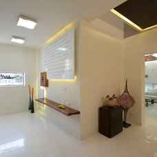 Modern Entry by sak designs
