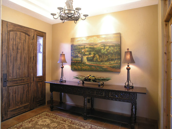Traditional Entry by Ronda Divers Interiors, Inc.