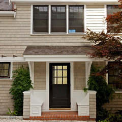traditional entry by Hammer Architects