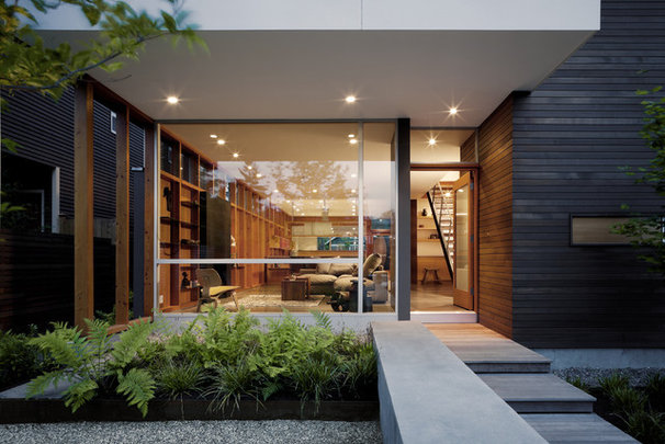 Contemporary Entry by MW|Works Architecture+Design