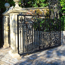 Traditional Entry by Greg Hebert Landscape Architect