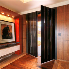 contemporary entry by Birdseye Design