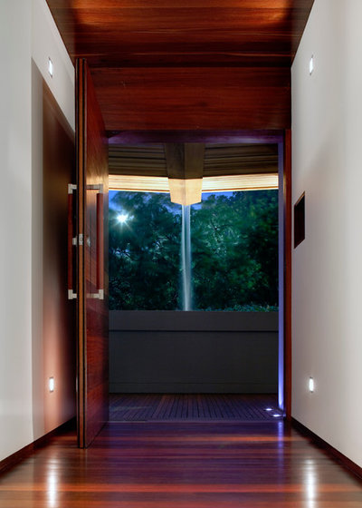 Contemporary Entry by CplusC Architectural Workshop
