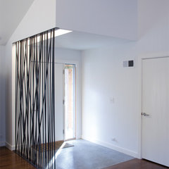 modern entry by Hufft Projects