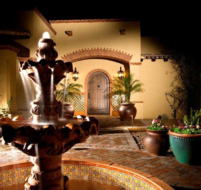 Средиземноморский Прихожая by Casas del Oso Luxury Homes