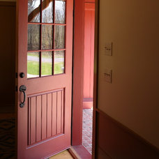 Farmhouse Entry by Fine Lines Construction