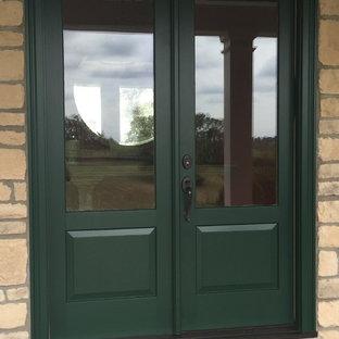 ルイビルの中くらいの両開きドアトラディショナルスタイルのおしゃれな玄関ドア (緑のドア) の写真