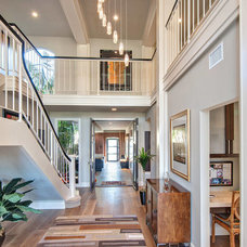 Modern Entry by Hartung Construction, Inc.