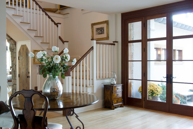 Traditional Entry by Barnes Vanze Architects, Inc
